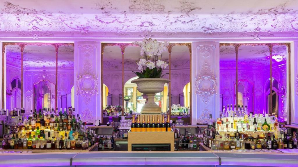 Bayerischer Hof Falks Bar 1