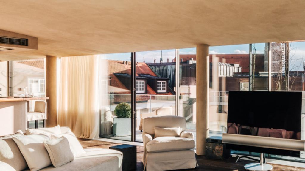 Bayerischer Hof Penthouse Garden Suite