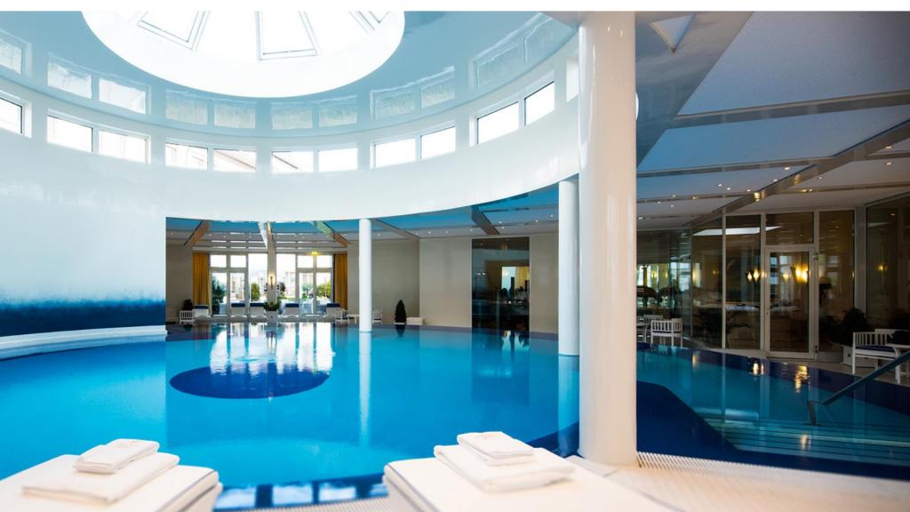 Colombi Hotel Freiburg Pool 1
