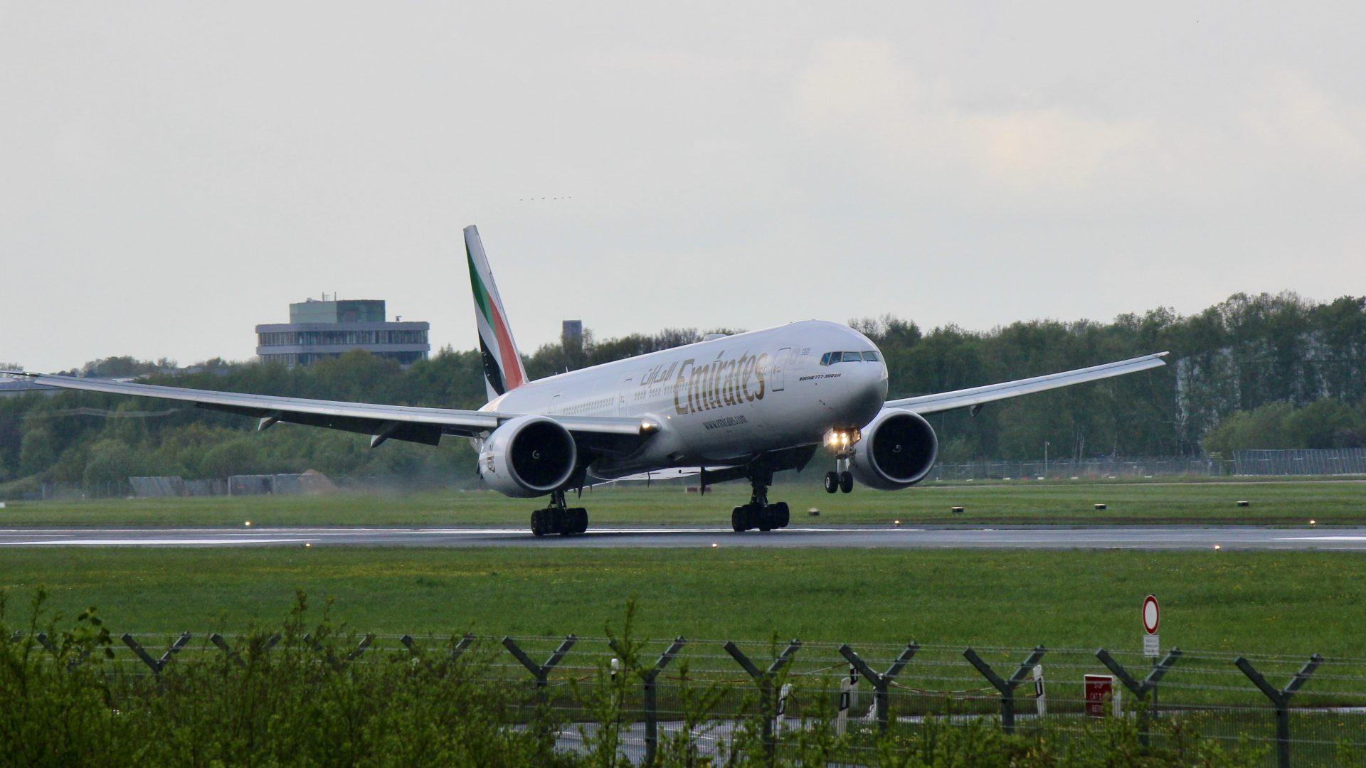 Emirates Boeing 777-300ER Landing