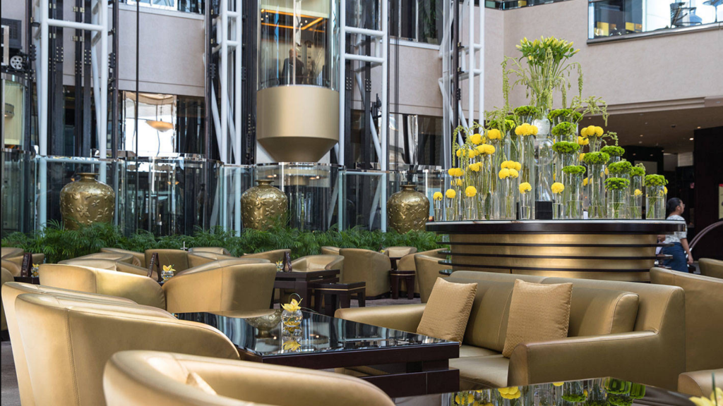 Jumeirah Emirates Tower Dubai Lobby