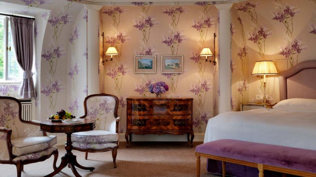 Schlosshotel Krohnberg Zimmer