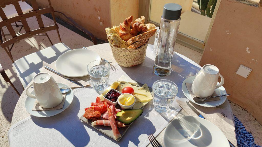 Yartan Boutique Hotel Arta Frühstück