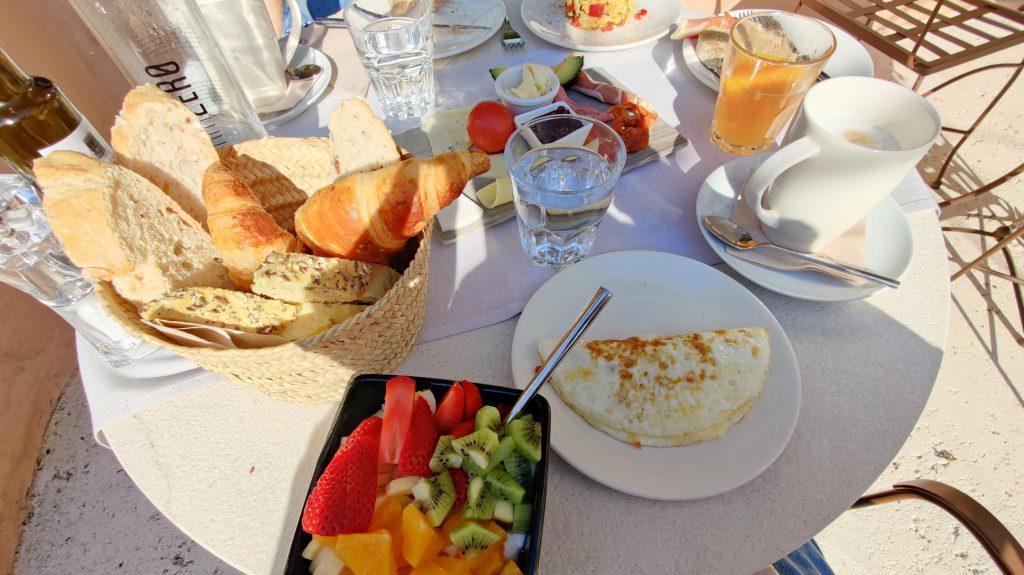 Yartan Boutique Hotel Arta Frühstück 3