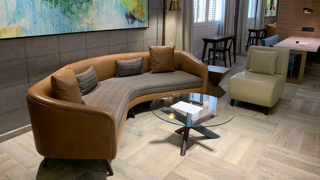 Andaz Dubai The Palm Suite Wohnzimmer