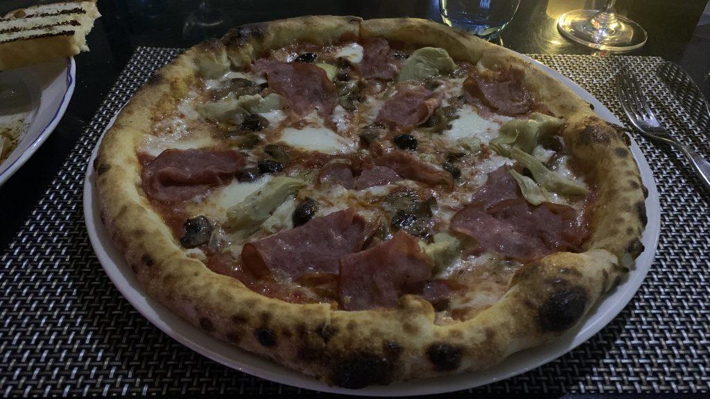 Jw Marriott Dubai Marquis Abendessen Pizza