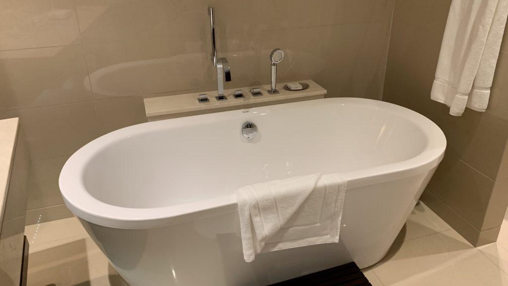 Jw Marriott Dubai Marquis Badewanne