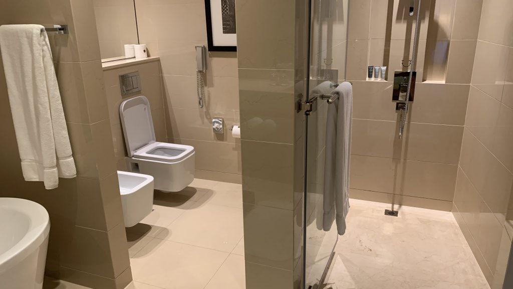 Jw Marriott Dubai Marquis Badezimmer