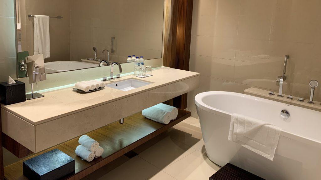 Jw Marriott Dubai Marquis Badezimmer 2