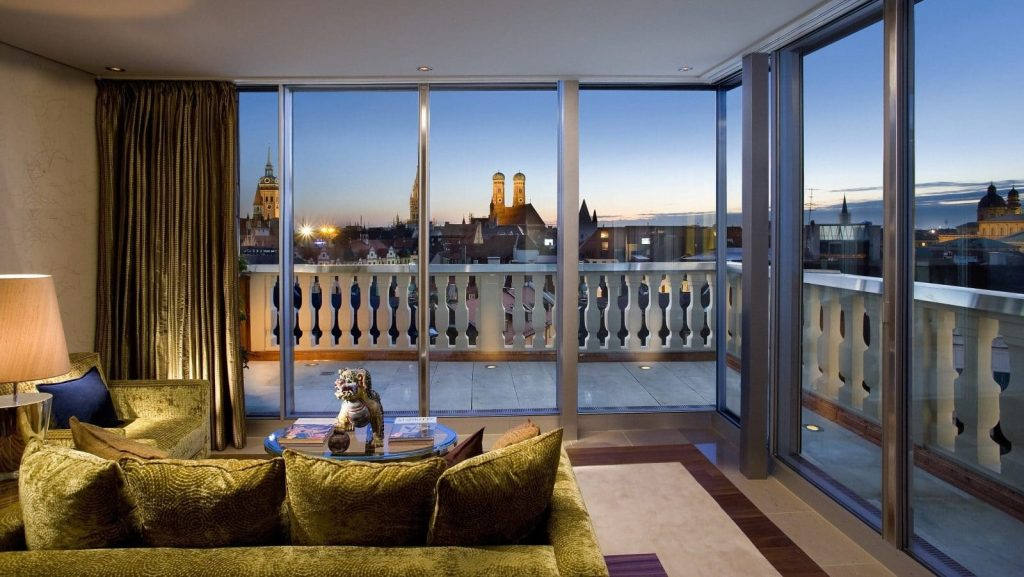 Munich Suite Oriental Suite Living Room