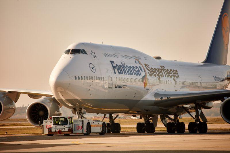 747/8 Siegerflieger YN