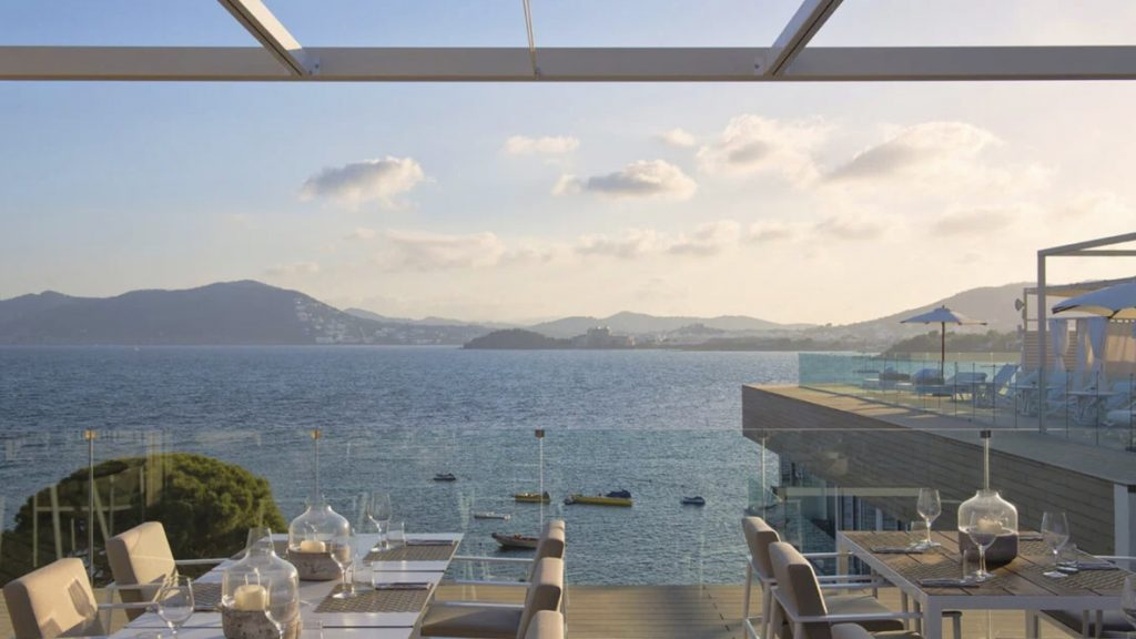 Radio Rooftop Bar ME Ibiza