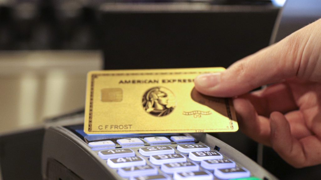 Amex Contactless Payment Gold Card Big Cropped