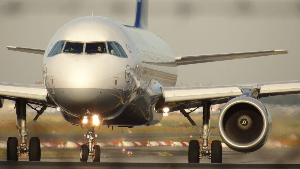 Lufthansa Front