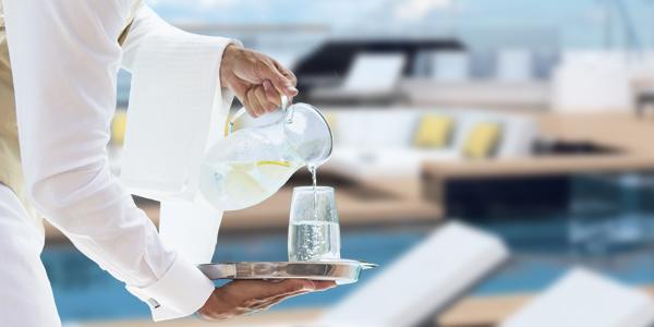 Persönlicher Concierge auf der Luxusyacht Evrima
