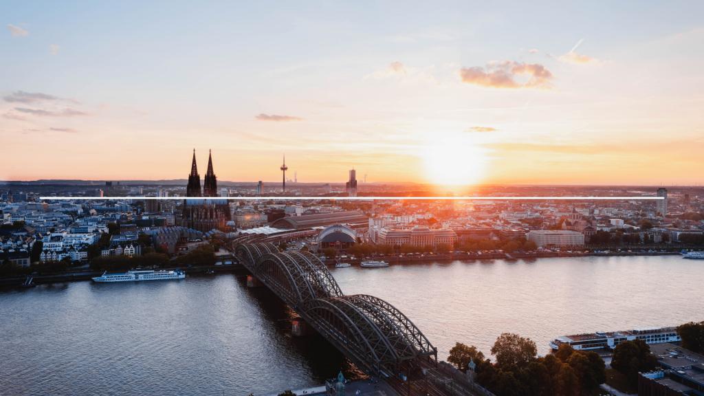 Blick über Köln bei Sonnenuntergang