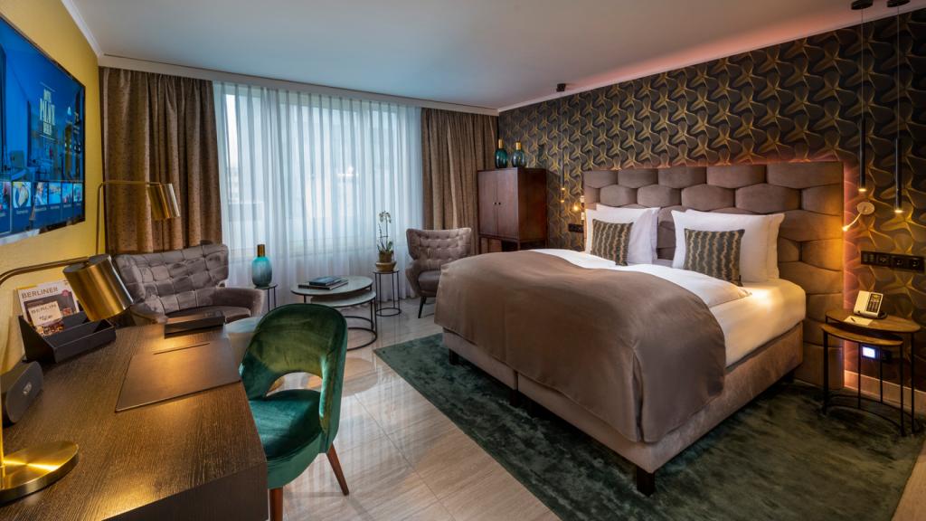 Hotel Palace Berlin Business Premium Zimmer 1600x900
