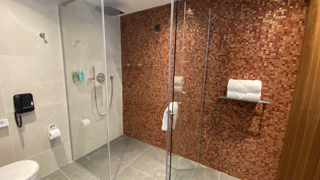 Ananti Resort Montenegro Bewertung Bad Und Dusche1