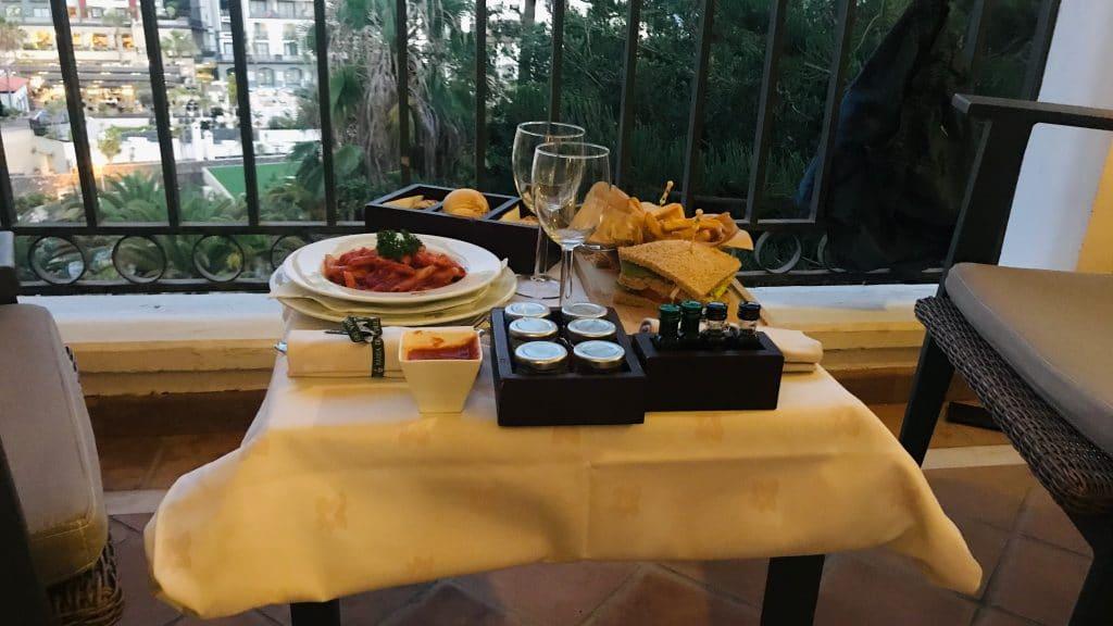 Bahia Del Duque Room Service