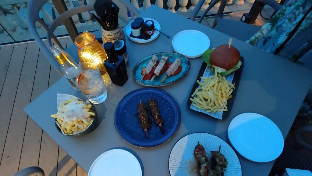 Kimpton Vividora Barcelona Rooftop Bar Abendessen 2
