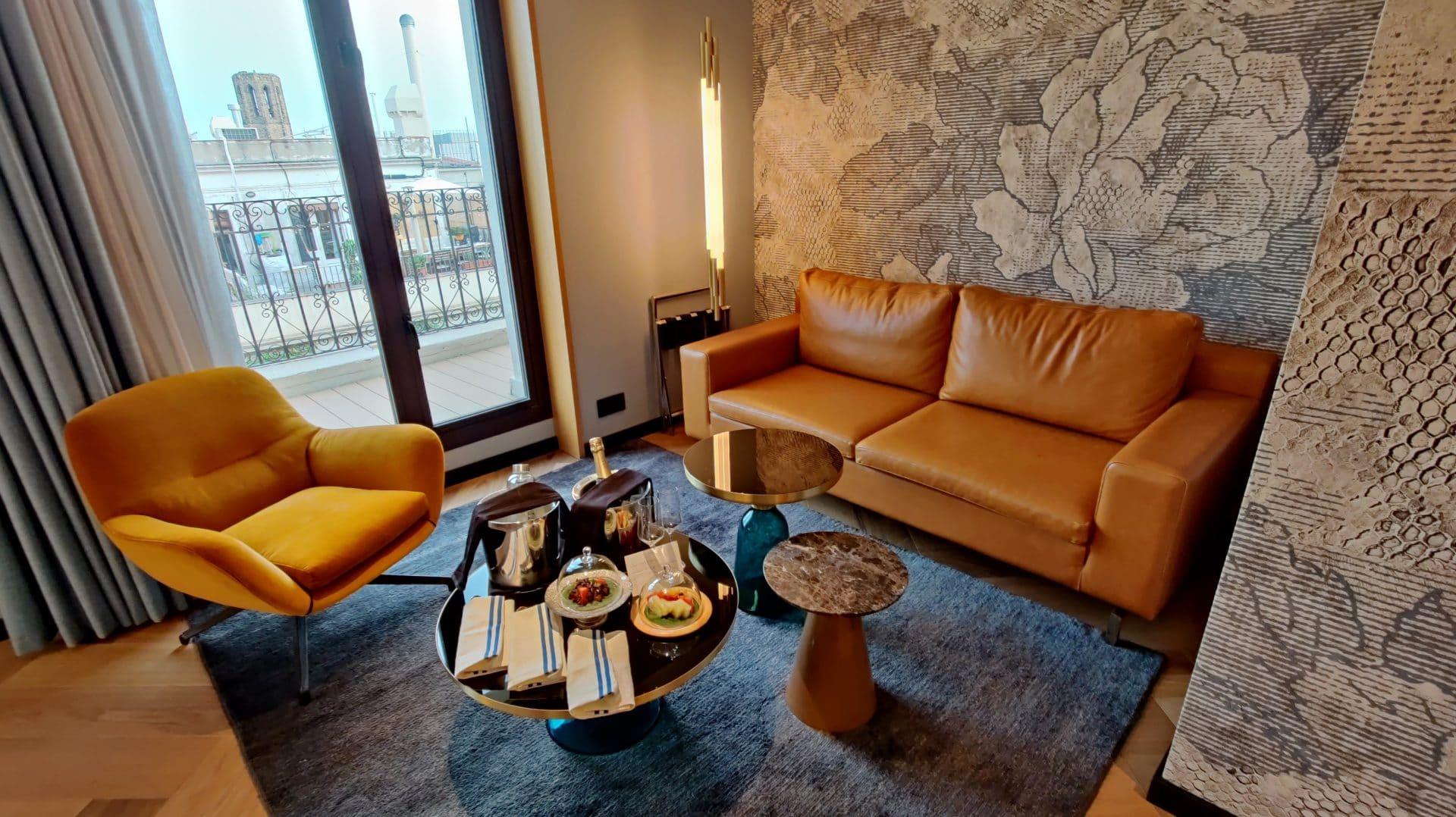 Kimpton Vividora Barcelona Suite De Vivi Wohnzimmer 2