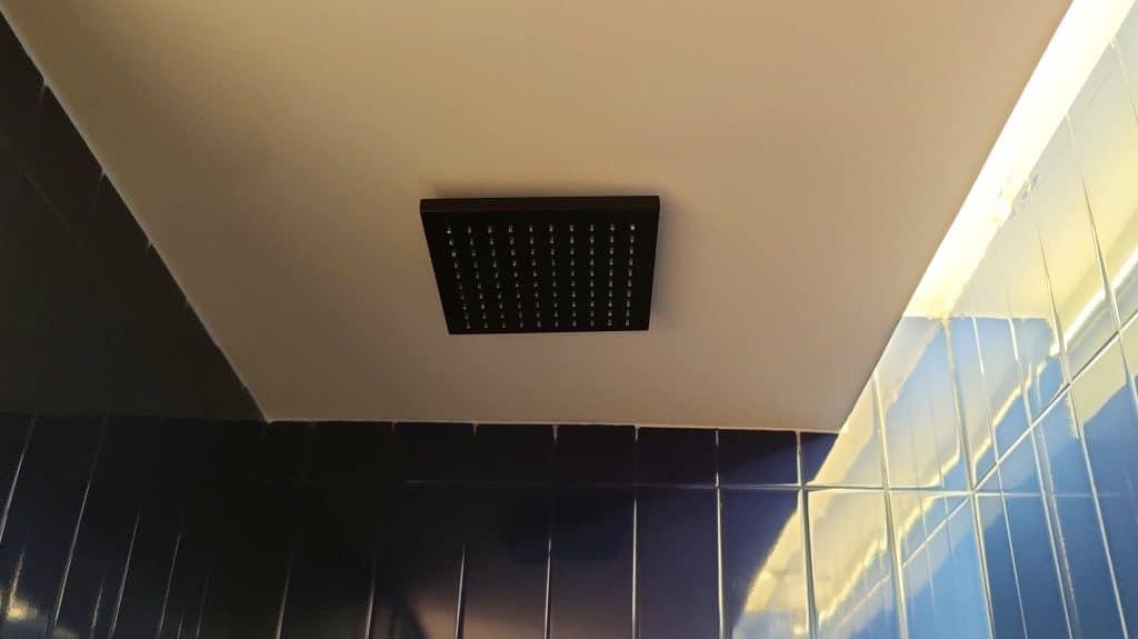 Kimpton Vividora Barcelona Zimmer Bad Dusche