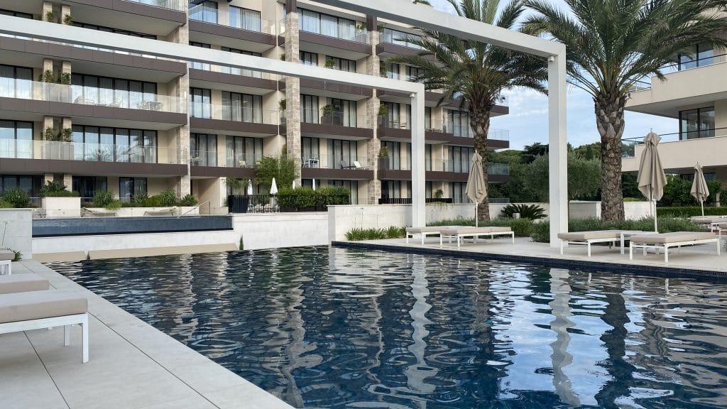 Regent Porto Montenegro Pool210