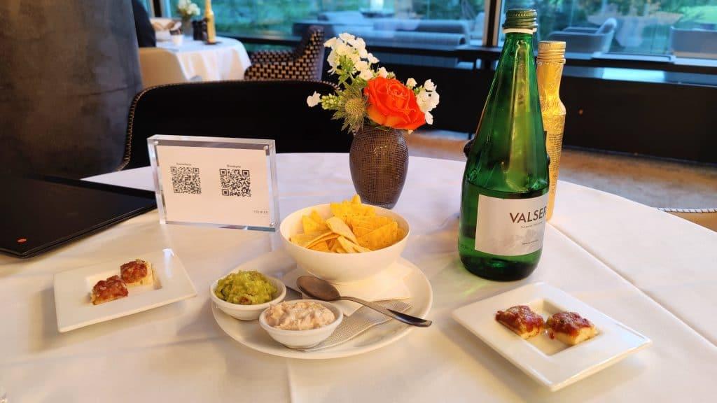 7132 Hotel Vals Blue Bar Abendessen