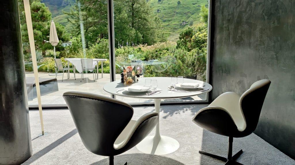 7132 Hotel Vals Silver Restaurant Fruehstueck Tisch