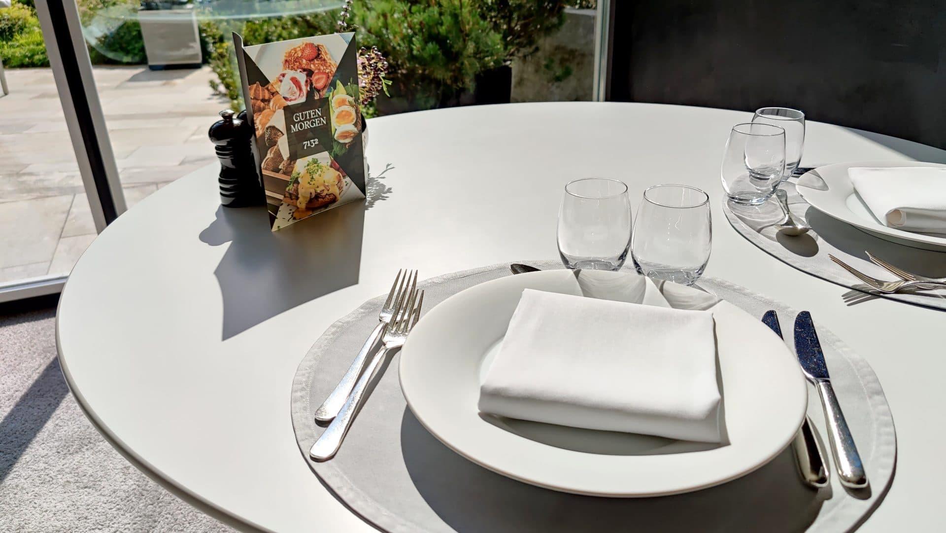 7132 Hotel Vals Silver Restaurant Fruehstueck Tisch 2