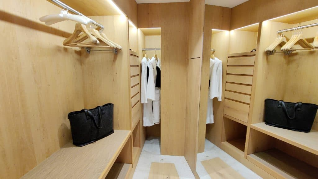 7132 Hotel Vals Spa Deluxe Zimmer Ankleide