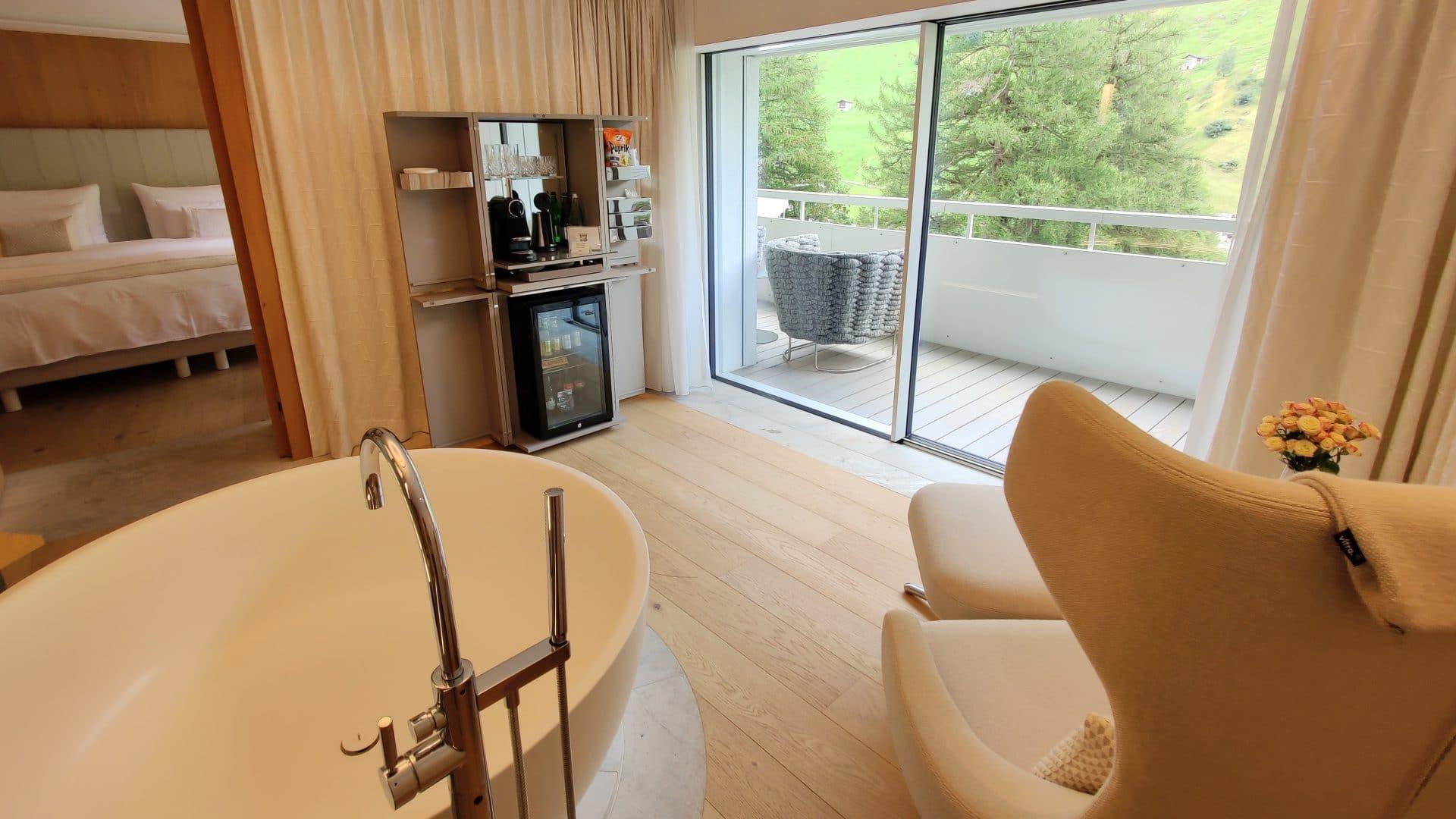 7132 Hotel Vals Spa Deluxe Zimmer Bad Ausblick