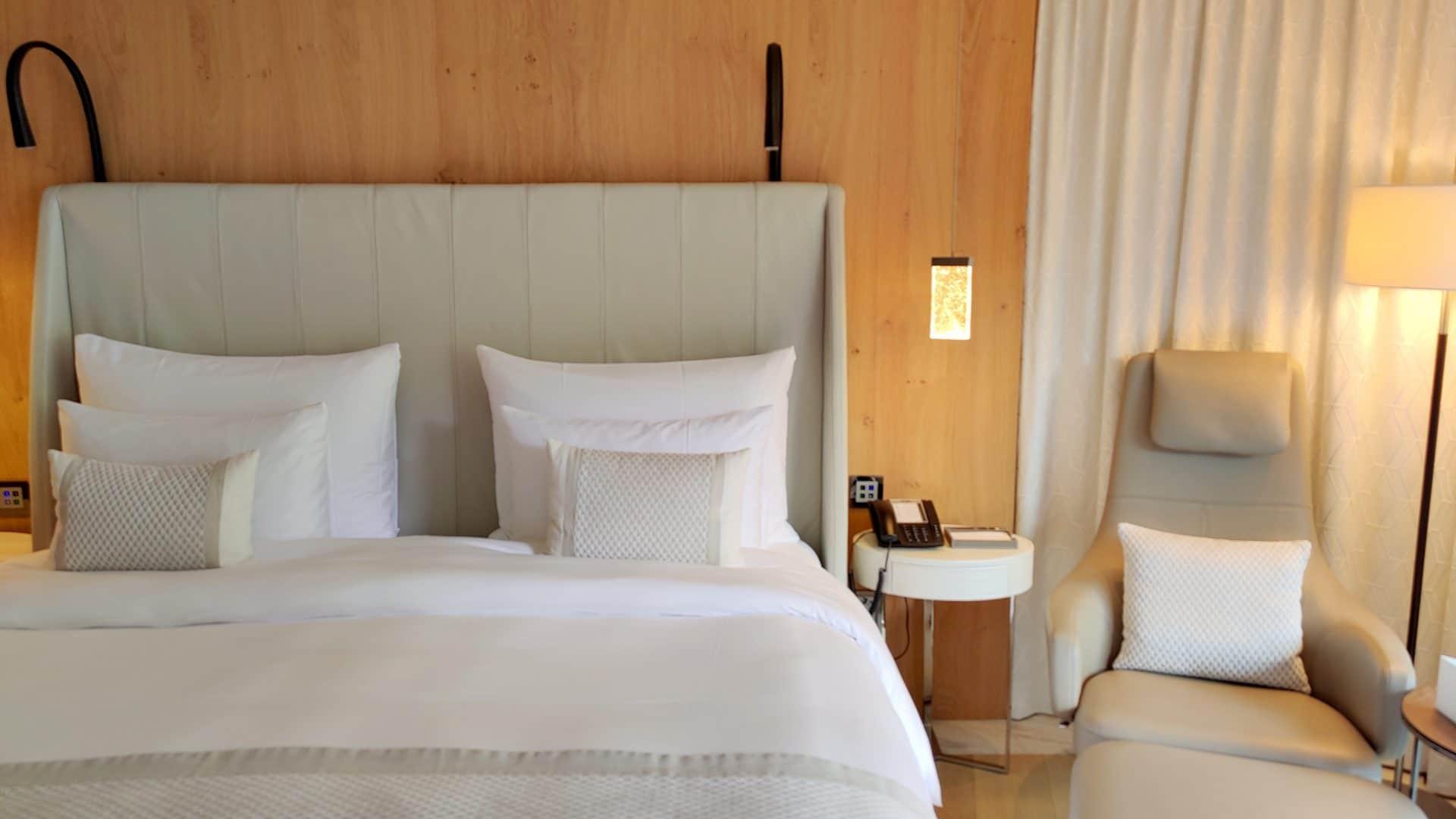 7132 Hotel Vals Spa Deluxe Zimmer Bett 2