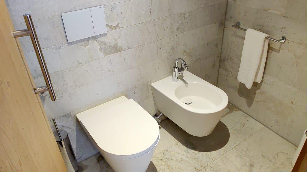7132 Hotel Vals Spa Deluxe Zimmer Toilette