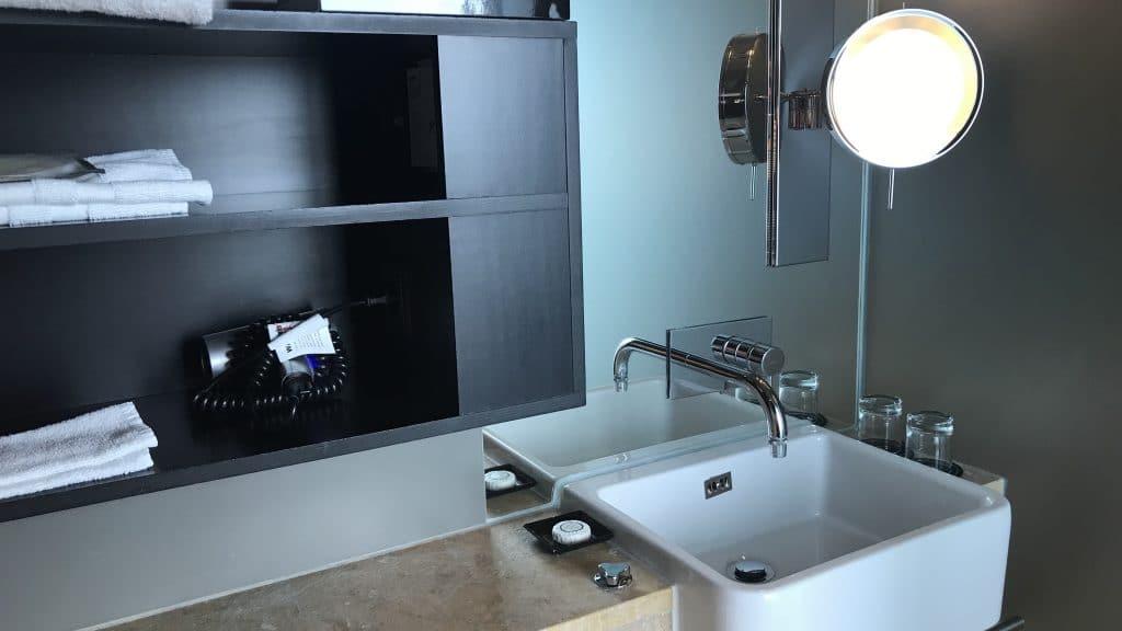 Sofitel München Bayerpost Duplex Suite Badezimmer