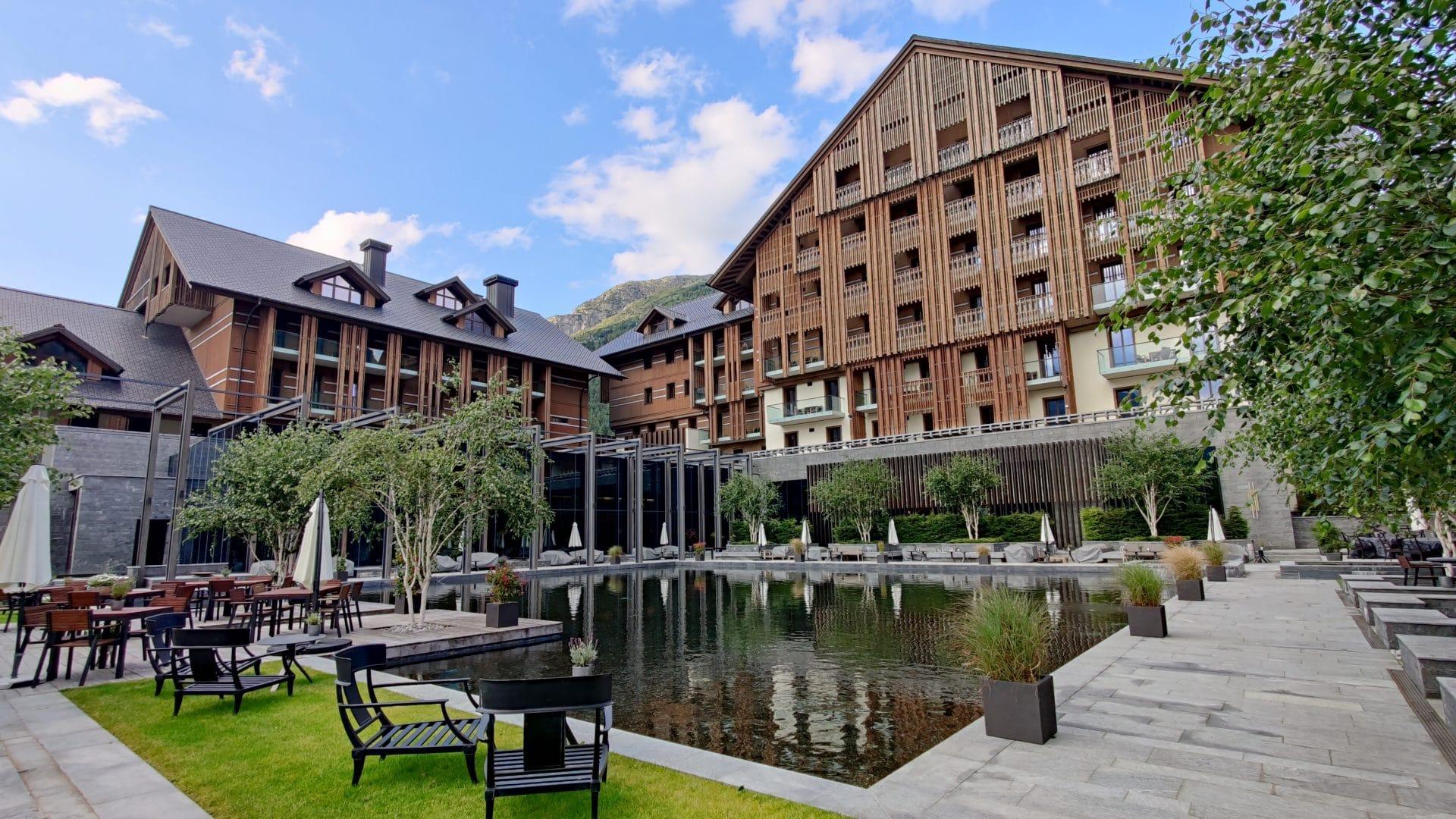 The Chedi Andermatt Garten 3