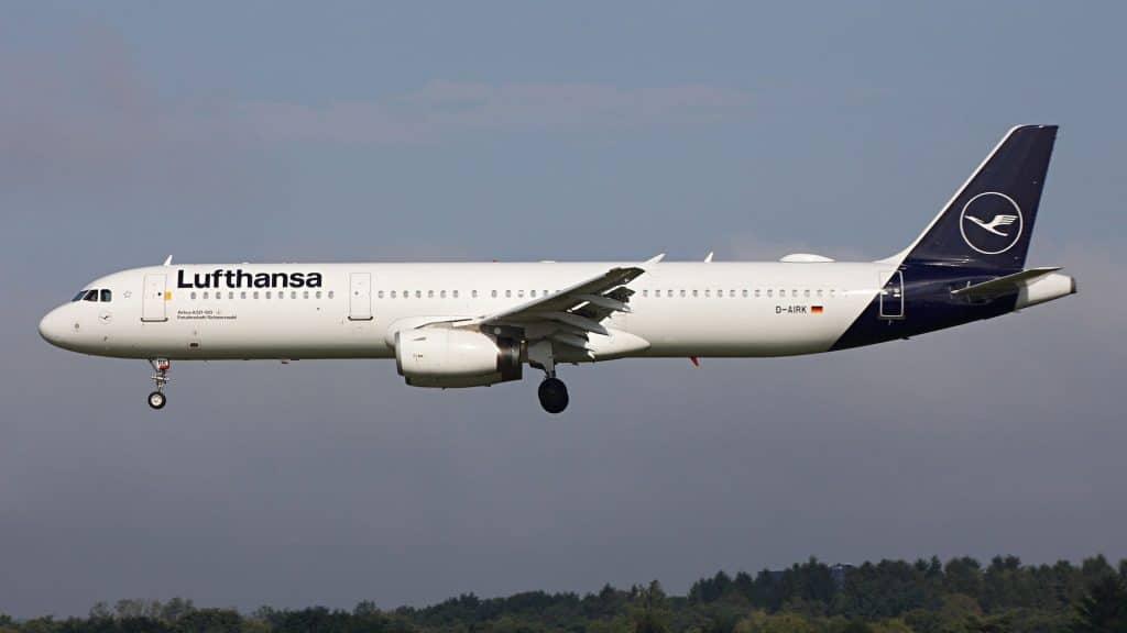 Lufthansa Airbus A321 Neue Lackierung Cropped