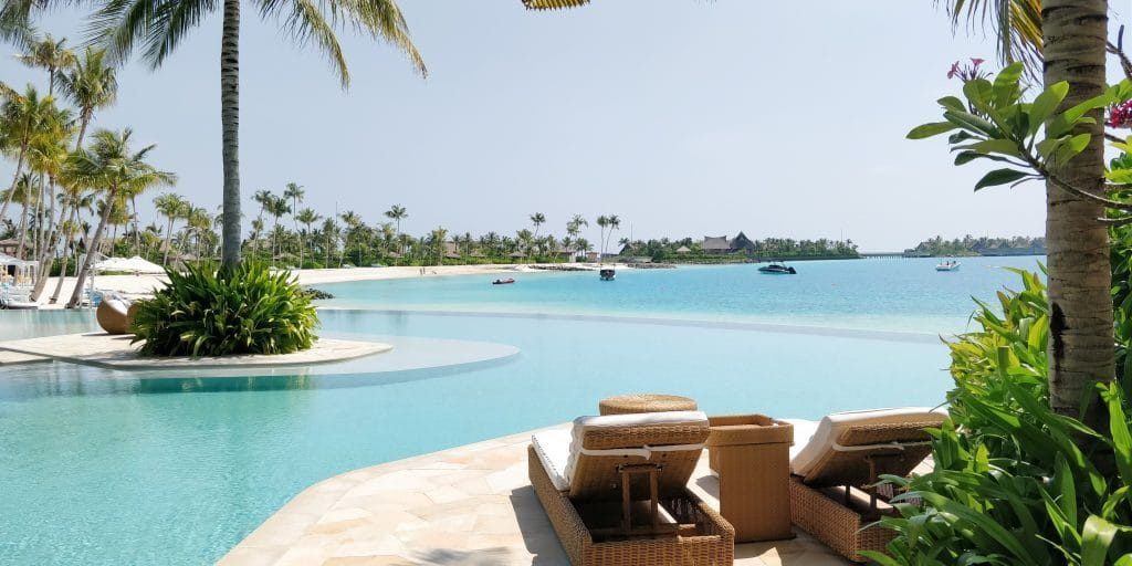 Waldorf Astoria Maldives Ithaafushi Pool