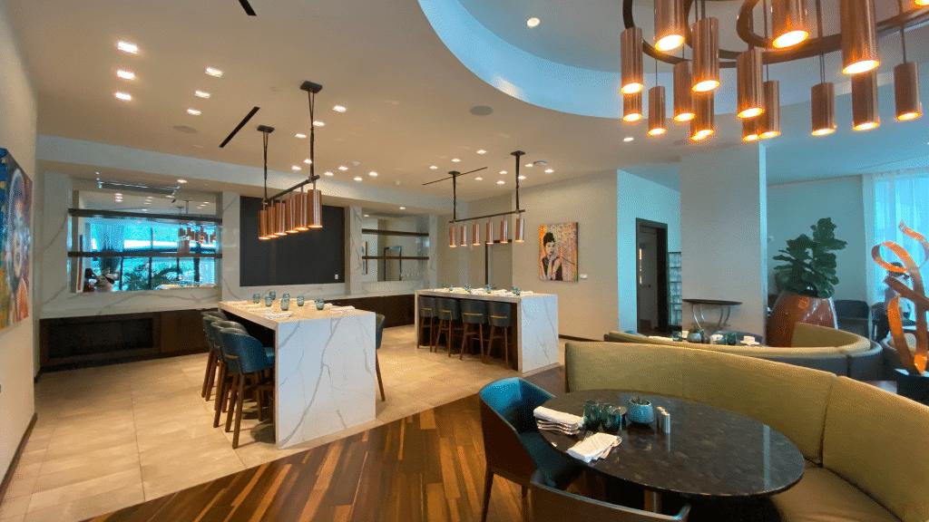 Art Ovation Hotel Restaurant